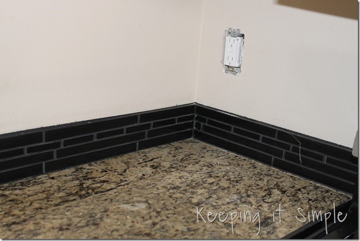 how-to-install-a-kitchen-backsplash-with-wavecrest-tile (3)