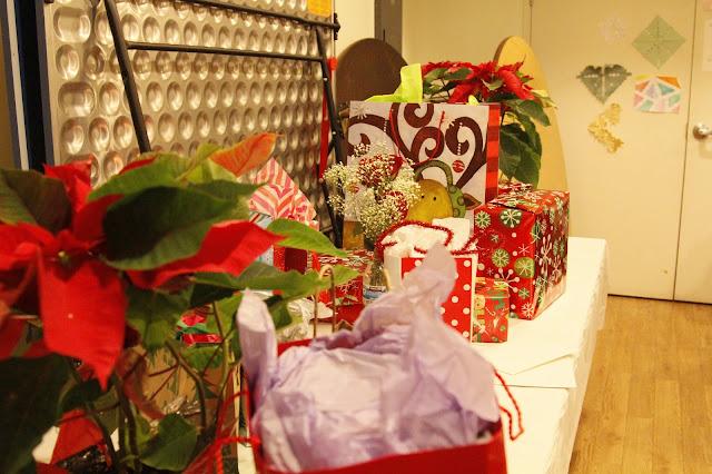Servants Christmas Gift Exchange - _MG_0714.JPG
