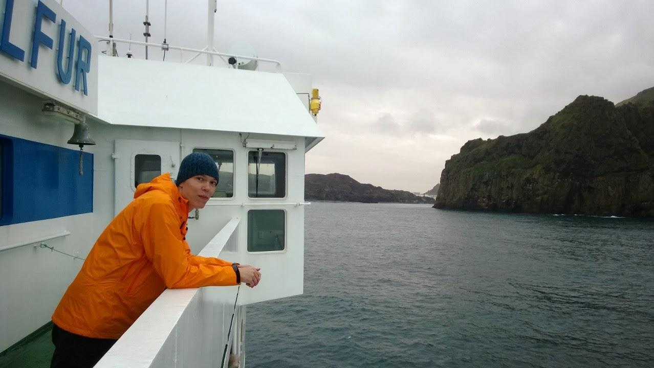 Olli arriving to Heimay, Westmanneyar. No more waves. J-M Kekki