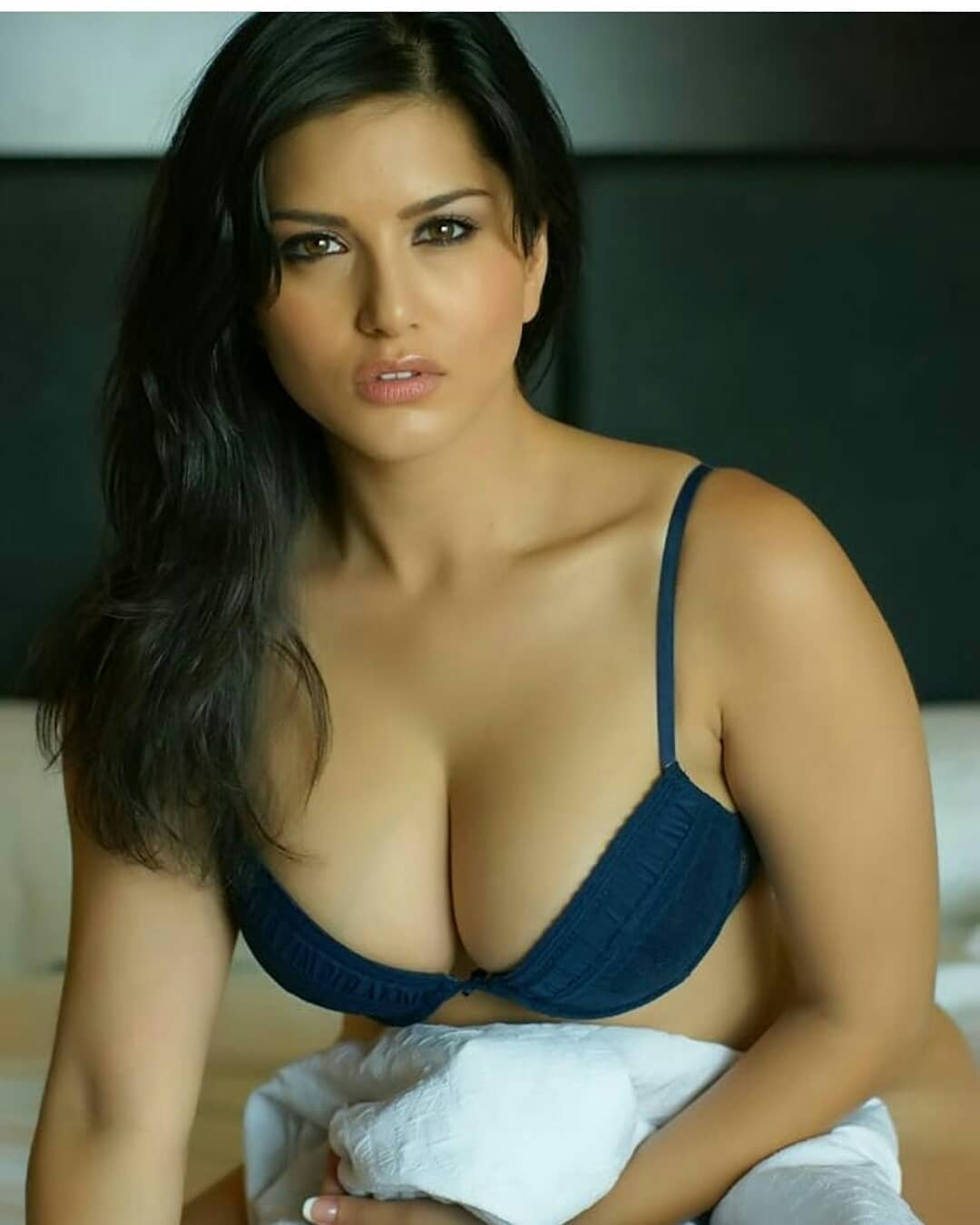 Sultry Sunny Leone Looks Very Hot In Lingerie - Cineindianet-9542