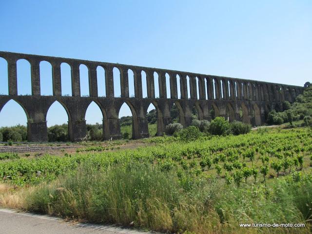 Aqueduto de Pegões, Tomar, Cidade dos Templários, Rio Nabão, Santarém, Ribatejo