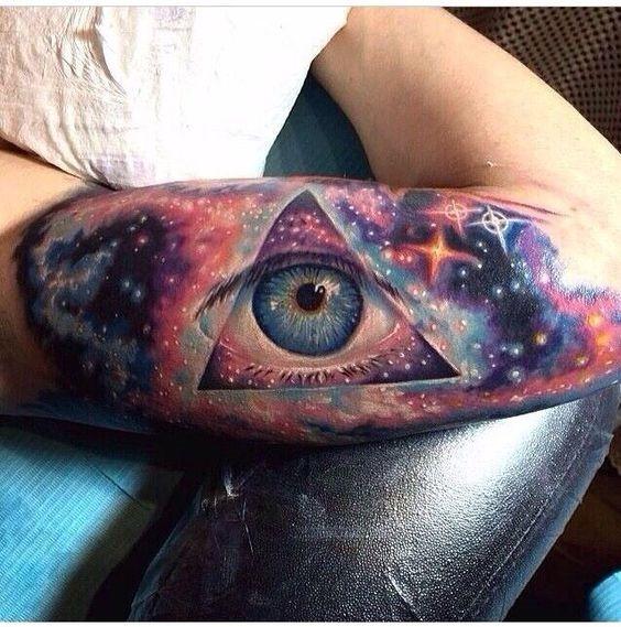 galactic_olho_braço_de_tatuagem