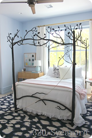girls room tree bed