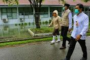 Plt Gubernur Tinjau Ruang Isolasi Pasien Covid-19 yang Tergenang Banjir di Komplek RSUZA