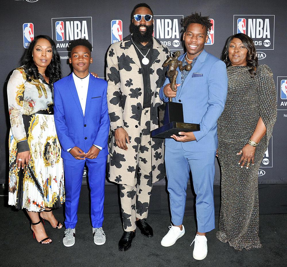 NBA MVP Award - Jams Harden Wins 2017-18 NBA Most Valuable Player ... 8057f93d6