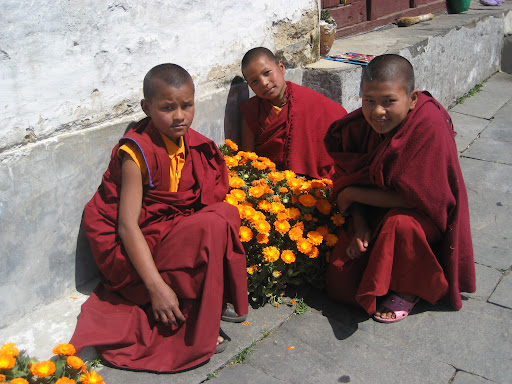 Young nuns from Bigu Nunnery