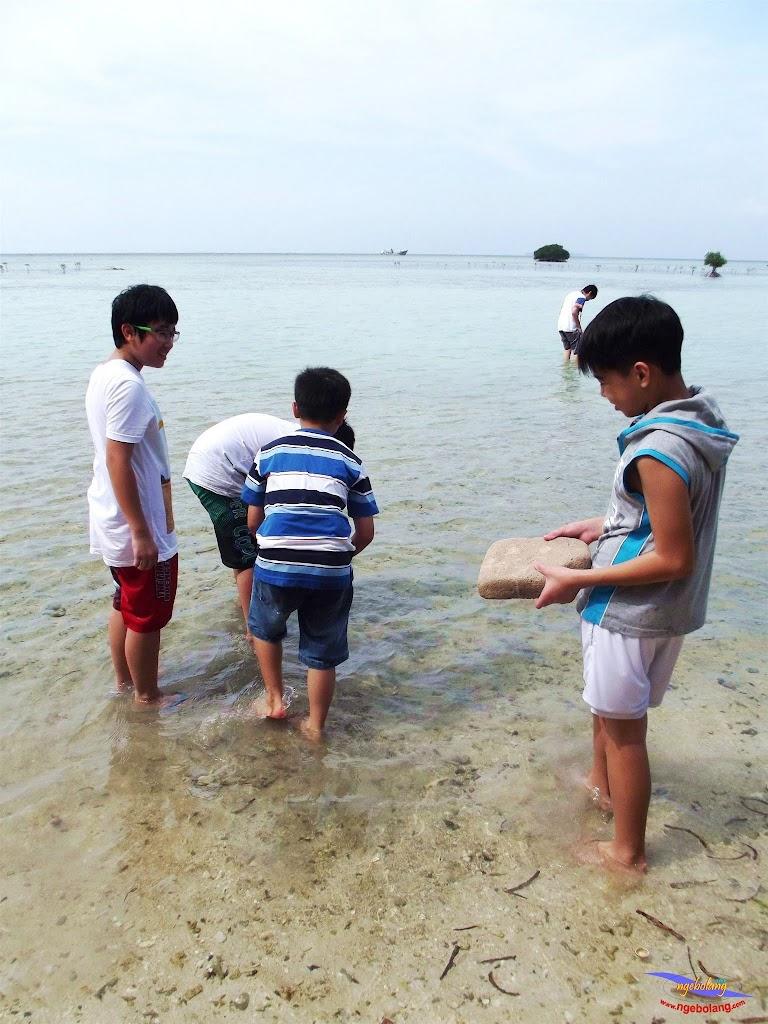 family trip pulau pari 140716 Fuji 007