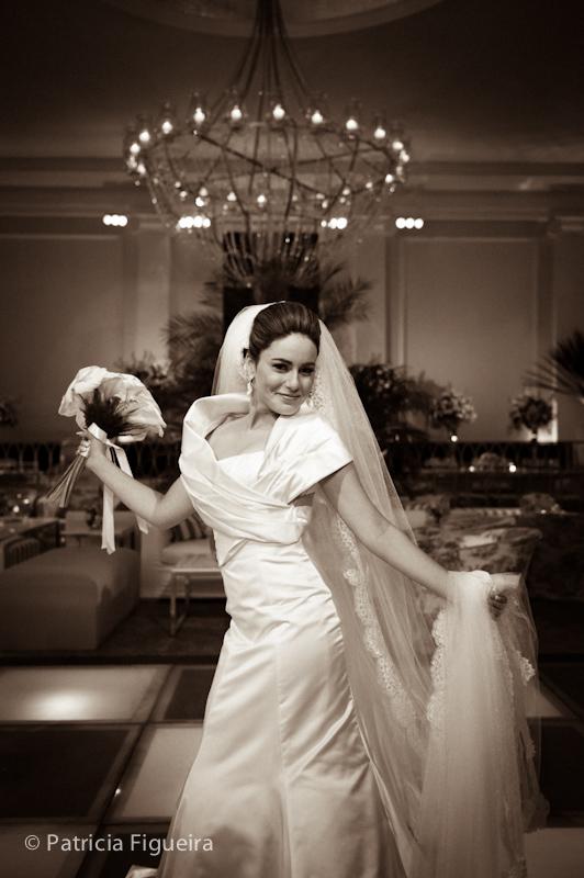 Foto de casamento 0530pb de Sunny e Richard. Marcações: 18/06/2011, Carol Hungria Vestido, Casamento Sunny e Richard, Fotos de Vestido, Rio de Janeiro, Vestido, Vestido de Noiva.