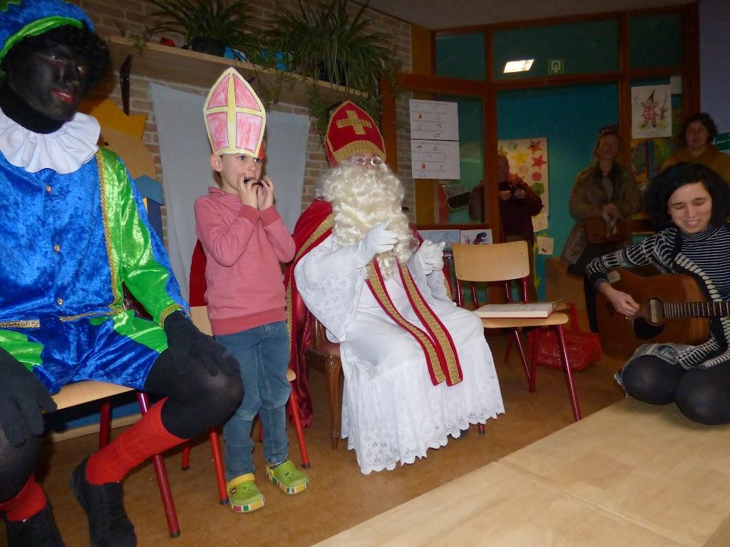 Sinterklaas op bezoek - P1060506.JPG
