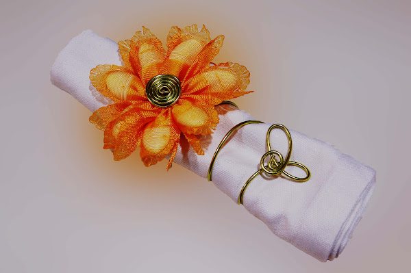 dragees-petales-rond de serviette.jpg