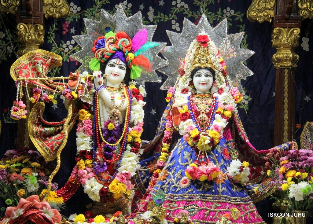 ISKCON Juhu Sringar Deity Darshan 22 Nov 2016 (2)