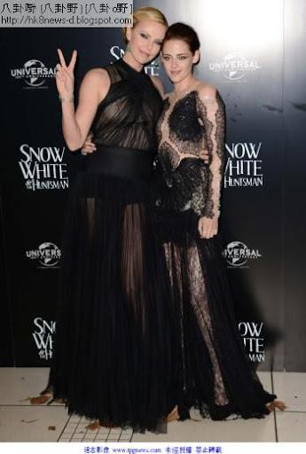 不少影迷覺得「皇後」莎莉賽隆(左)比「白雪公主」克莉絲汀史都華美。(圖/達志影像)