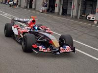 Scuderia Toro Rosso a boxutcaban.JPG