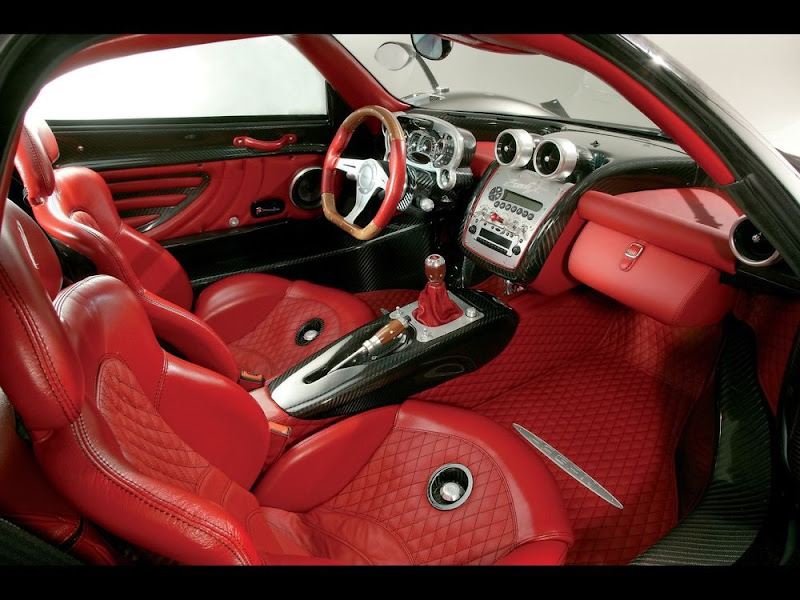 Interior of Pagani Zonda Cinque Roadster