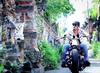 Lirik Lagu Bali Bintang Band - Ganteng Ini Membunuhku