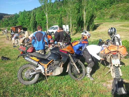 L'Ultimate Offroad Ride 2014 MILLAU-ROSAS(Esp)-COLLIOURE - Page 10 20140510_083207