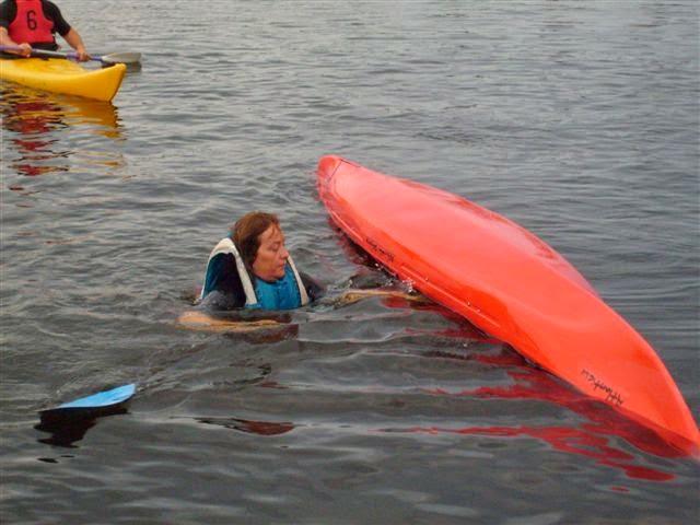 Dagmar naast haar boot...