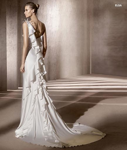 Menyasszonyi ruha 2012 Pronovias Elsa
