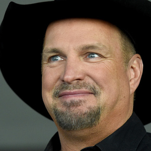 How Much Money Does Garth Brooks Make? Latest Net Worth Income Salary