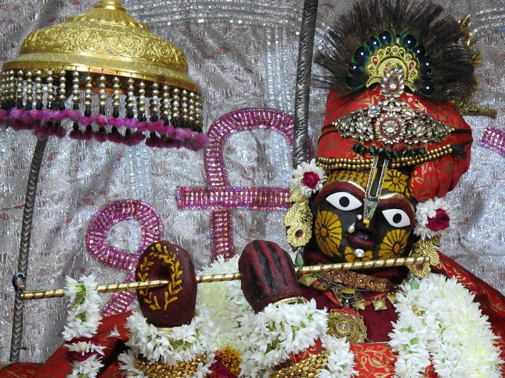 Radha Govind Devji Deity Darshan 04 Jan 2017 (3)