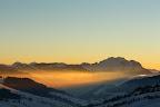 DOUCEURS HIVERNALES   Dernières lueurs devant la Tournette, la plus haute montagne qui domine le Lac d'Annecy
