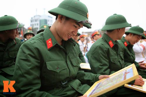 Qua đại học, nhập ngũ sẽ phục vụ quân đội tốt hơn - 2