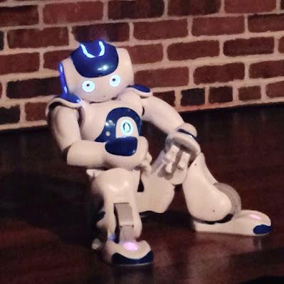 NOW EL ROBOT DE BLANCA LI NOS BAILA