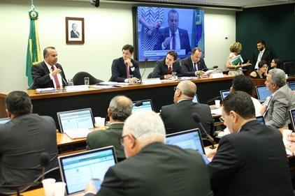 Rogério na comissão trabalhista _ foto Alexssandro Loyola