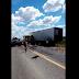Homem morre após batida entre dois caminhões em trecho da BR-116 em Serrinha-BA.