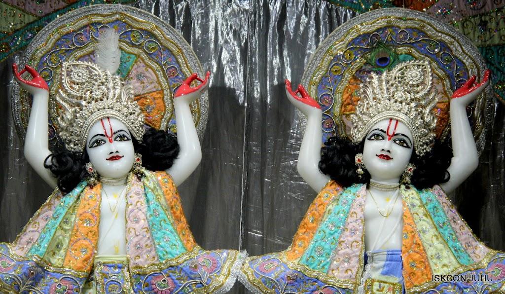 ISKCON Juhu Mangal Deity Darshan on 29th April 2016  (1)