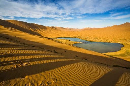 Badain-Jaran-desert-1