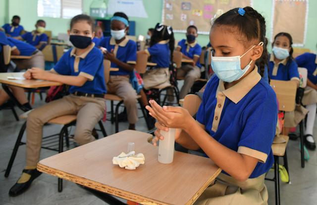 Escuela envía 4 niños a sus casas por presentar fiebre