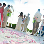 Hawks Cay Resort - wedding-on-sunset-beach.600x0.jpg