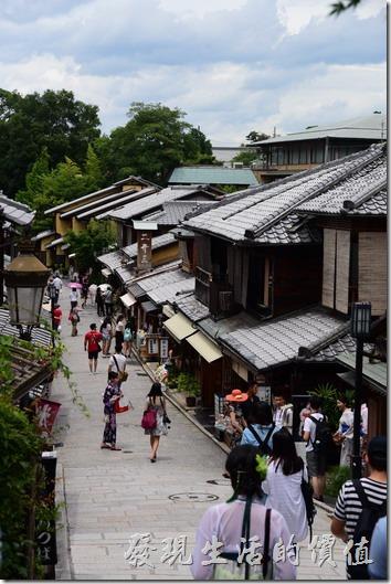 日本清水寺二年坂的斜坡。