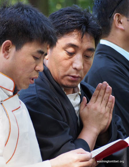 H.H. the 14th Dalai Lamas 77th Birthday Celebration at Carkeek Park - 18-ccP7070134%2BHHDL%2BPicnic72.jpg