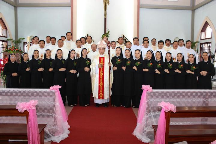 Hội Dòng Mến Thánh Giá Phát Diệm lễ tuyên khấn 2015