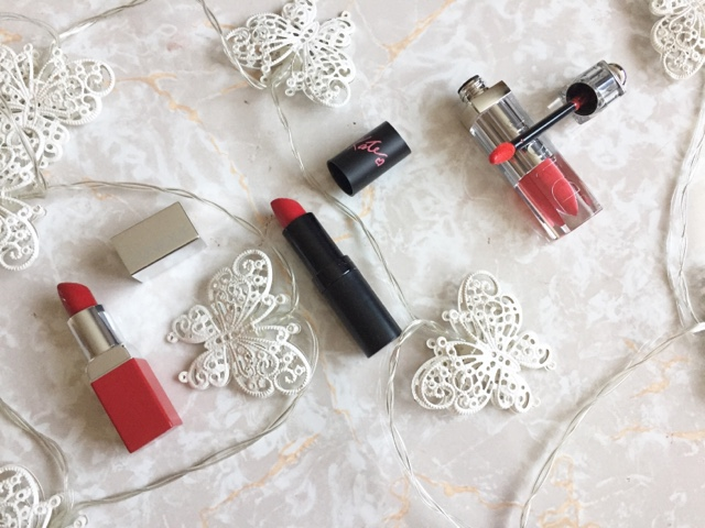 red, party, lipsticks, liquid lipsticks, festive, christmas, dior, fluid stick, Clinqiue, kate moss, rimmel, fairy lights, makeup, beauty,
