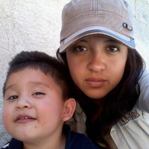 Gloria Quiroz Photo 15
