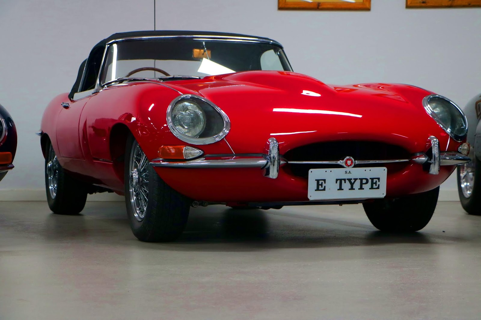 Carl_Lindner_Collection - 1963 Jaguar E-Type Series 1 Roadster 07.jpg