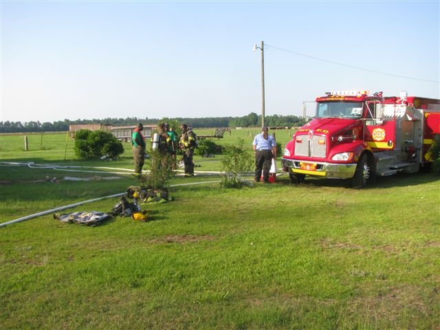 House fire Lynchburg Rd Mutual Aid to Williamsburg Co. Fire 012.jpg