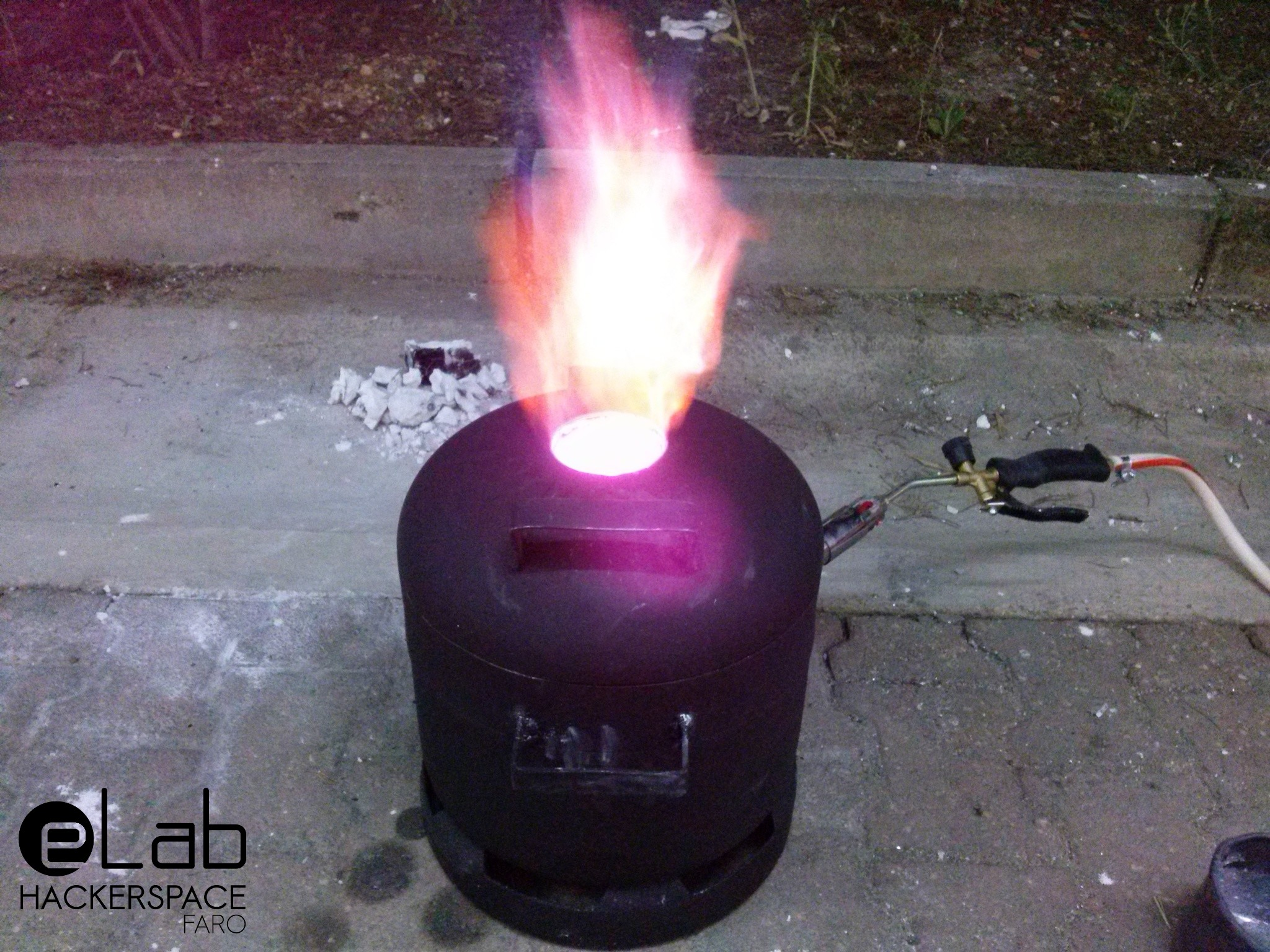 DIY Metal Melting Furnace – eLab