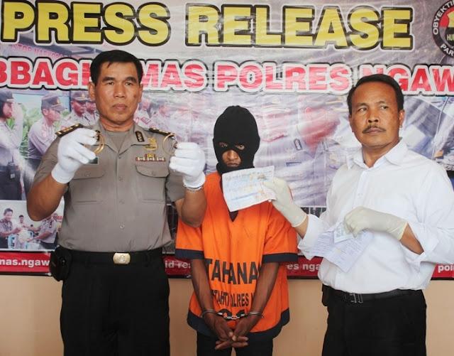 Pegadaian Ngawi: Petugas tangkap pelaku penipuan saat akan menggadaikan emas palsunya