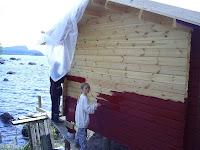 Barnen och Anita målar