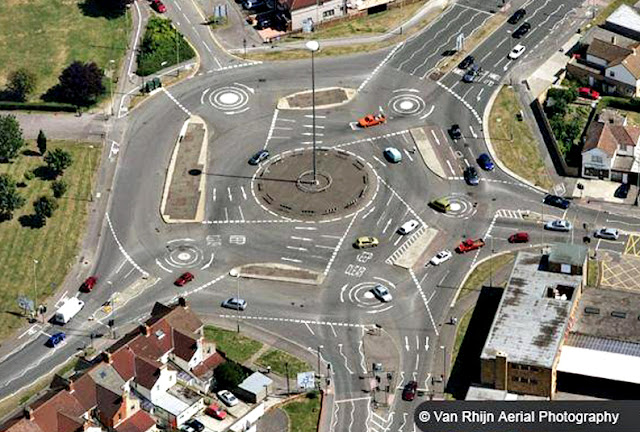 Swindon's Magic Roundabout, the most confusing traffic junction in the World!