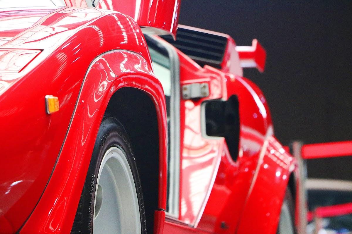 Lamborghini Countach (12).jpg