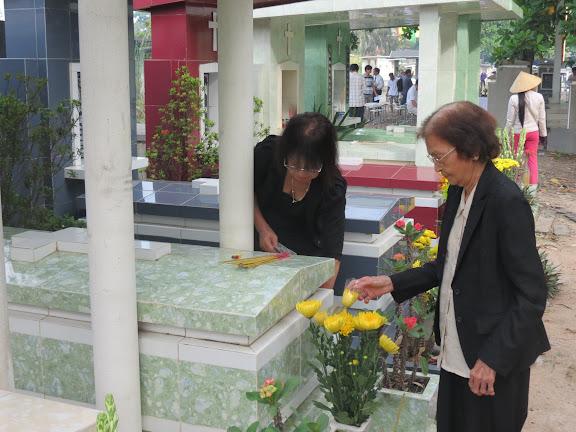 Videos: Giảng lễ cầu hồn 02.11