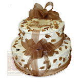 38. kép: Ünnepi torták - Ünnepi két szintes karamell leveles torta szalaggal