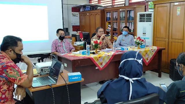 Kepala Disnakerin Kota Padang Kumpulkan Pimpinan Media Online.