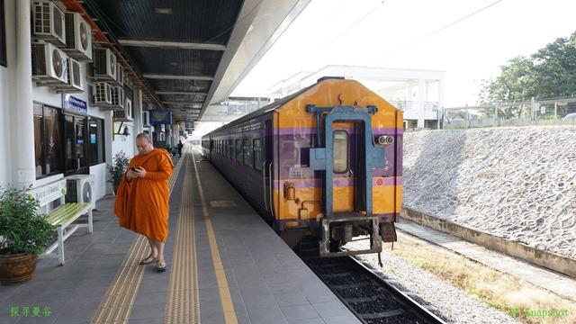 和尚与火车