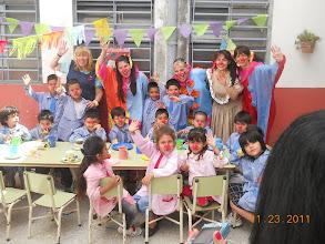Photo: Qué bendición la alegría y gratitud de los niños!!!